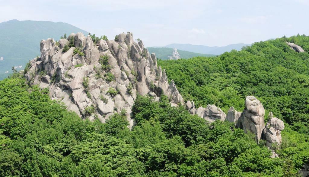 {:ru}Беневские водопады + Парк Драконов (2 дня){:}{:en}Benevski Waterfalls + Park Dragons (2days){:}, Путешественник