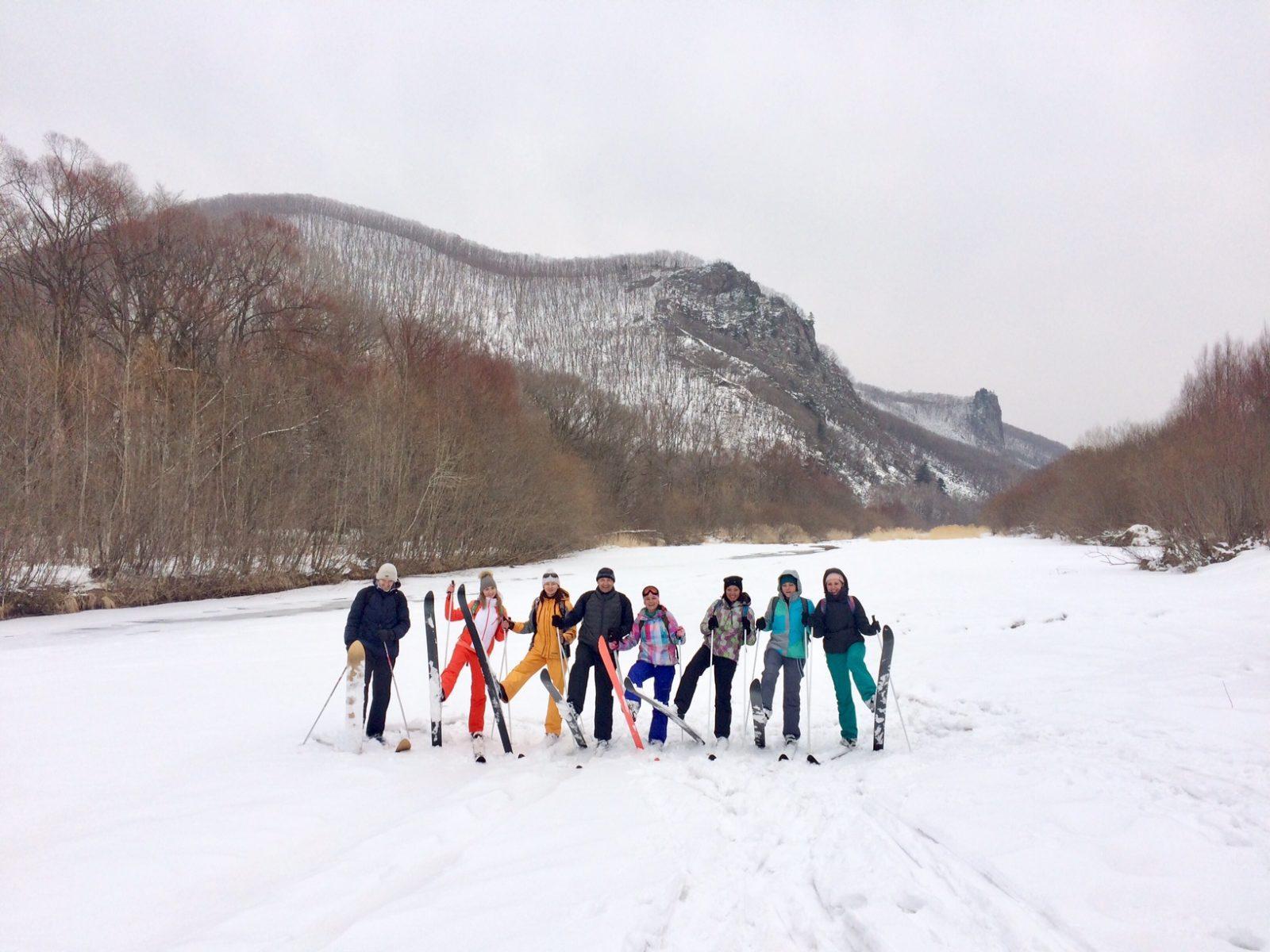 Начало весны на лыжах, Путешественник